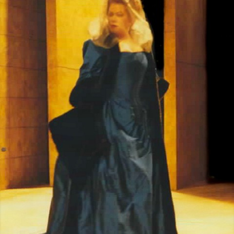 Elvira, DON GIOVANNI
